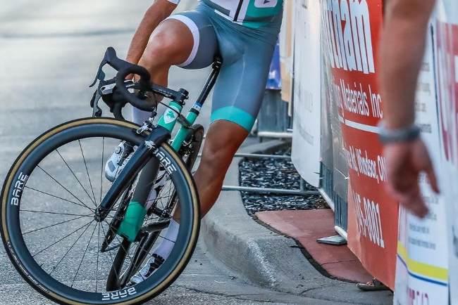 Clclista con calambres